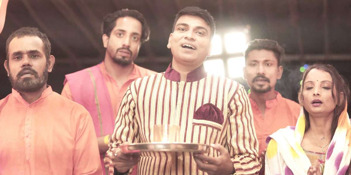 New Version Of Laxmi Aarti By Singer Aniket Sinha Is Ready For Release