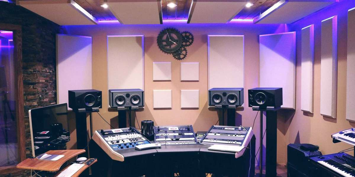 Best Hand Picked Professional Recording Studio Equipment List To Start Music Production